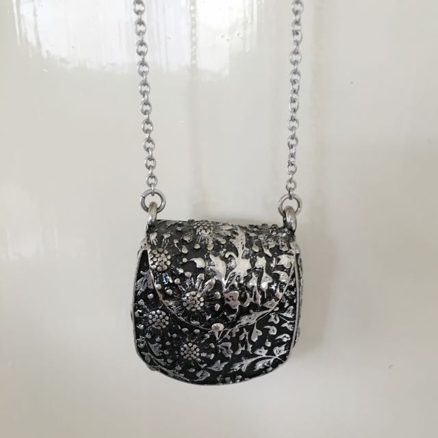 Vintage Style Purse Pendant Necklace
