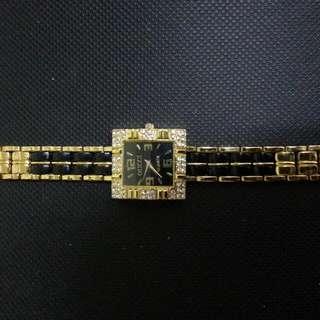 GUCHI Watch Gold