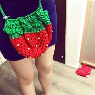 可愛的泰國草莓編織包側背包