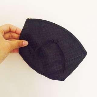 黑色曼谷包