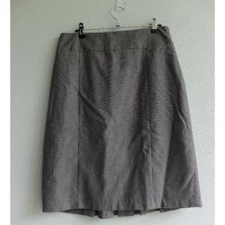 Ladies Jacqui-E Size 10 Grey/Brown Business Skirt