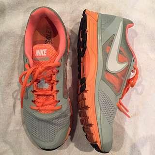 Nike Vomero 8 Orange Grey Shoes