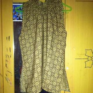 Preloved Turtle Neck Batik