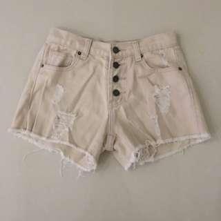 LOVFEE 粉色小破壞排釦牛仔短褲🌹