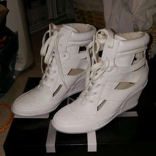 "Zu Wedge ""Gangsta White"" Sneakers Size 7"