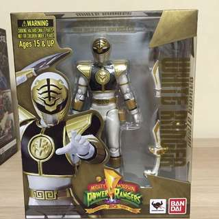 S H Figuarts White Ranger MMPR (Celebrating 20 Years)
