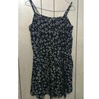 全新黑白碎花吊帶短裙