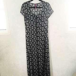 🌸 Boohoo Double Split Dress