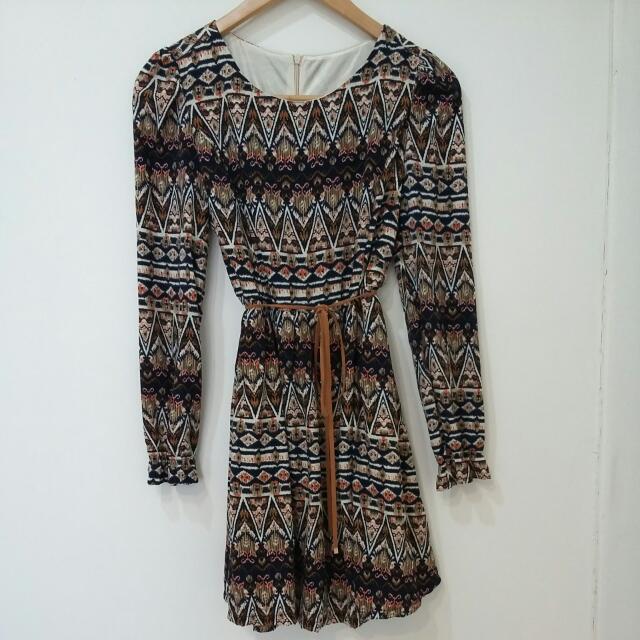 全新 民族風幾何圖形縮袖大裙擺洋裝(含郵)