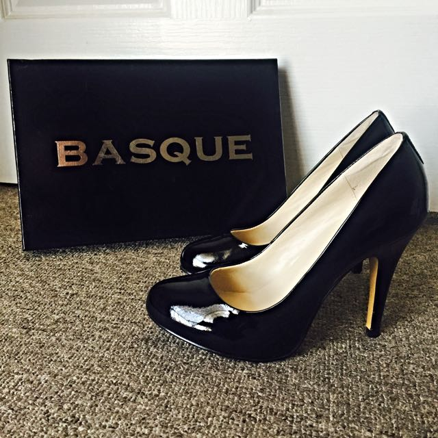 BASQUE Brand New Black Heels Size 37