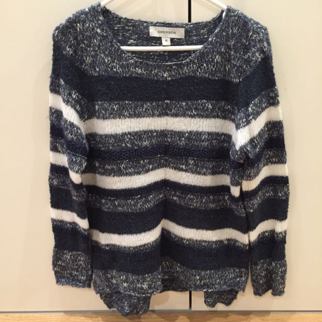 Blue White Knit Wear Size M