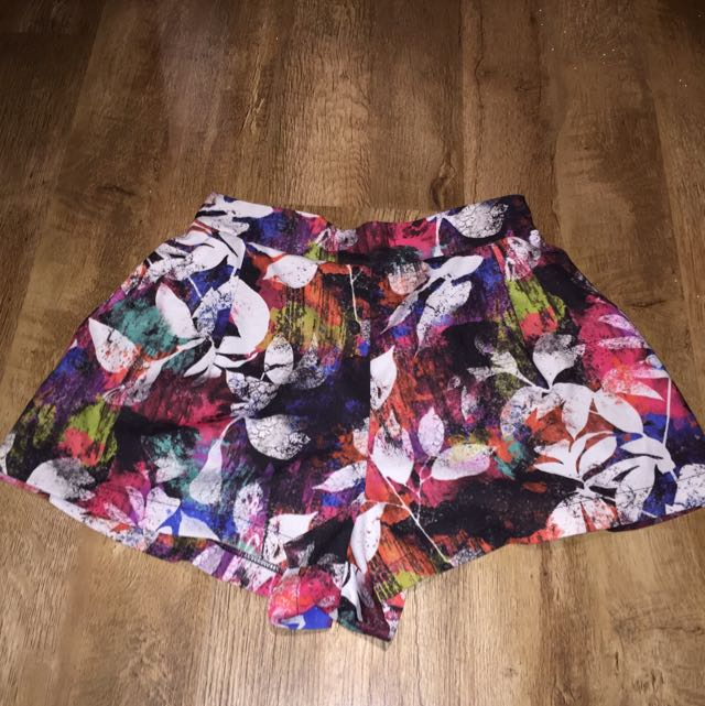 Floral Shorts 🌸