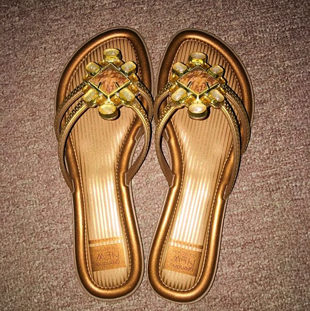 Grenada Shoes size 7