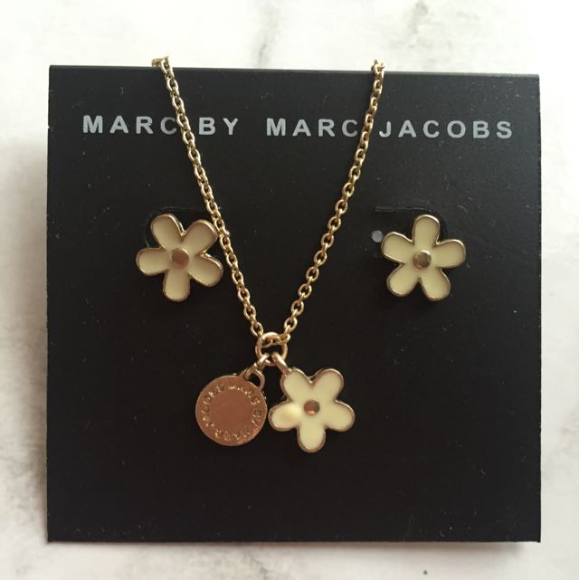 *PRICE DROP*Marc By Marc Jacobs 'Daisy' Earing And Necklace Set