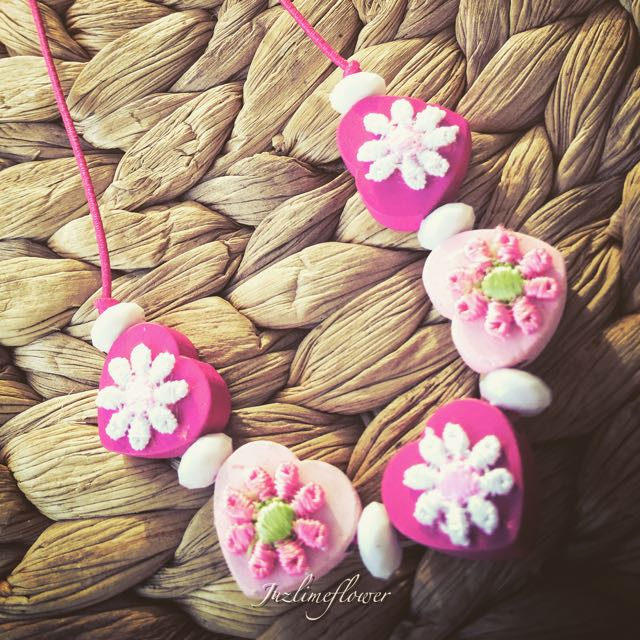 (NEW) Lace Flower Wooden Pink Necklace