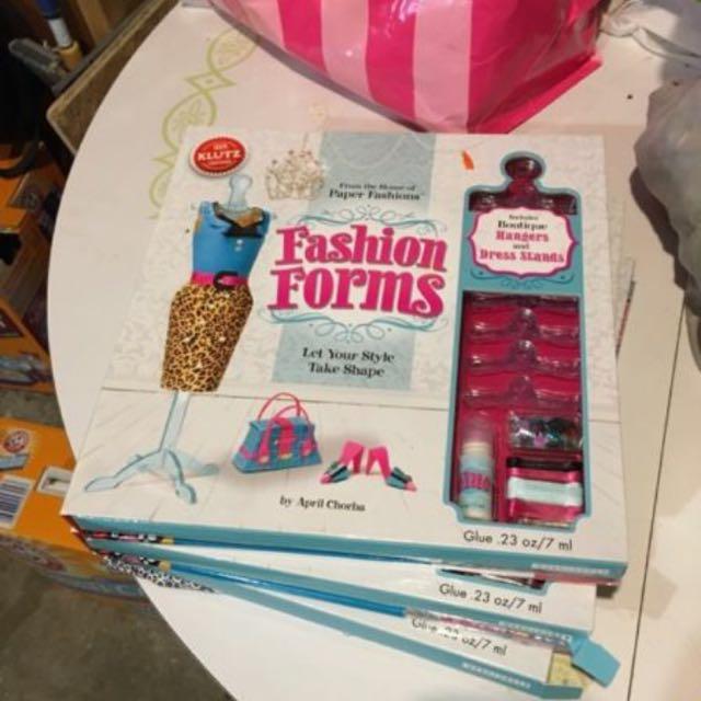 Paper Fashions - Fashion Forms by KLUTZ