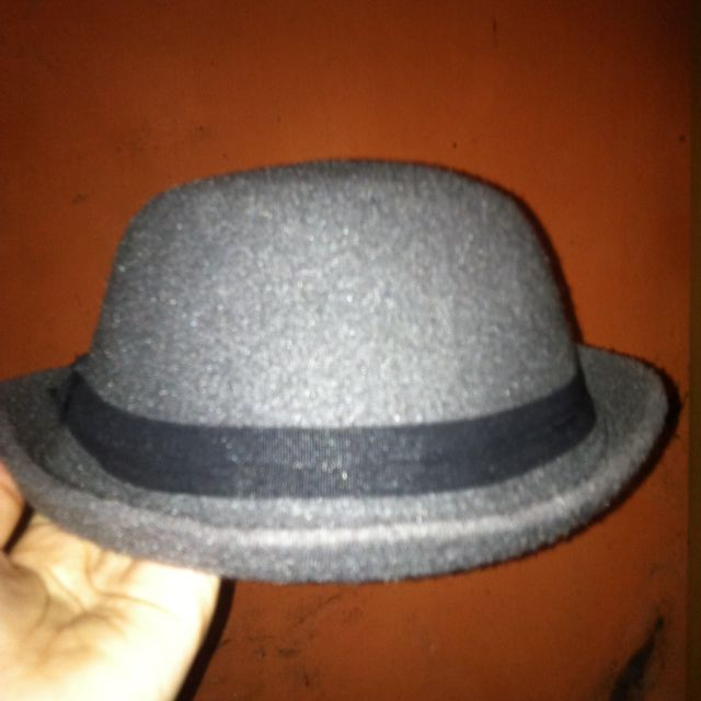 Preloved Topi Caplin