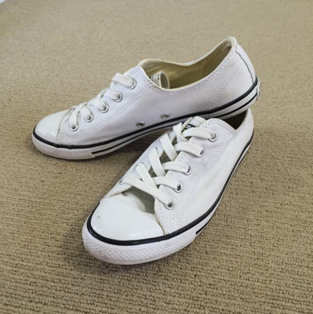 Size7 Converse Shoes