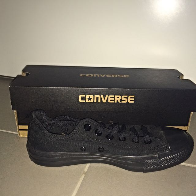 Size 7 Black Converse Shoes