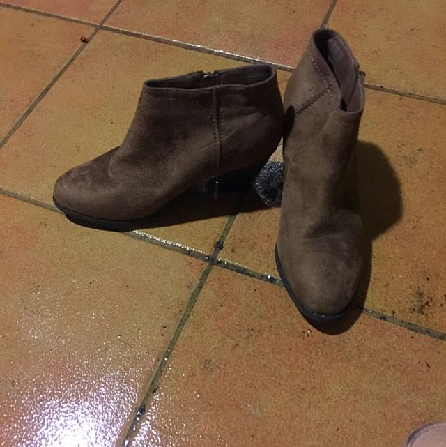 Size 8 Ankle Boots Low Heel