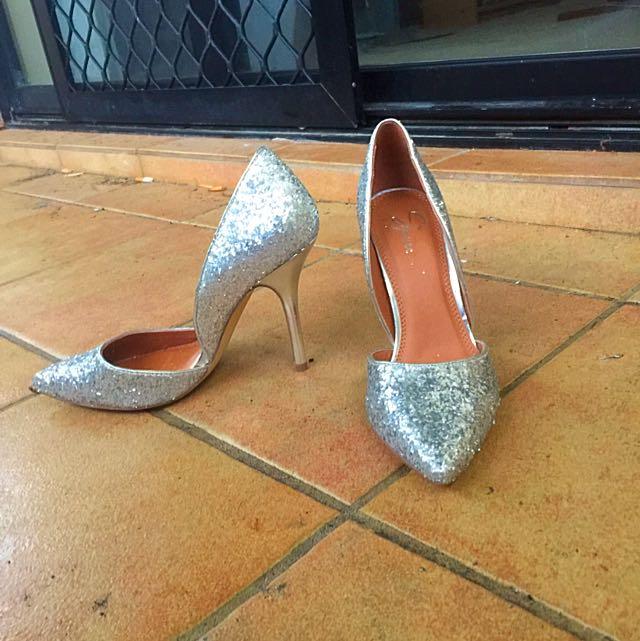Size 8 Silver Glitter Heels
