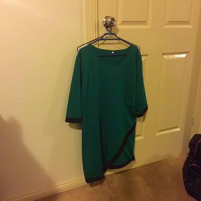 Size M/L Green Dress