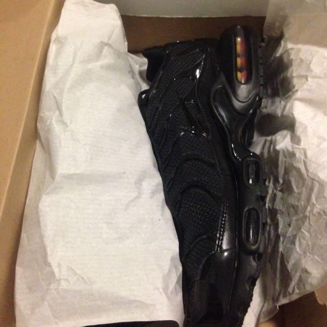 new arrival b5b62 b720d Triple Black Tns Nike Air Max US13, Men's Fashion on Carousell