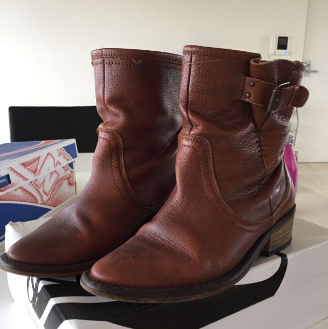 Zara boots size 36