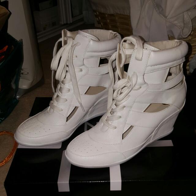 "Zu Wedge ""Gangsta White"" Sneakers Size 7"