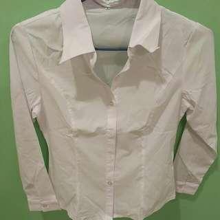 全新未穿過 白色彈性襯衫