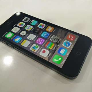 IPhone 5 space grey 32gb Mint Preowned