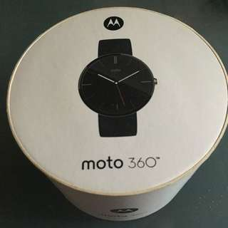 Moto 360 Smartwatch Black Leather Strap.