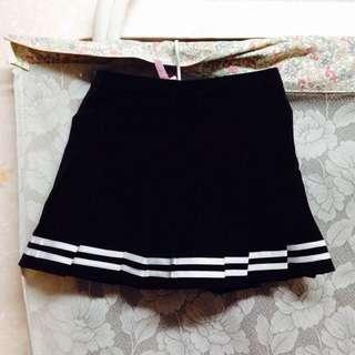 全新✨✨黑色百褶裙