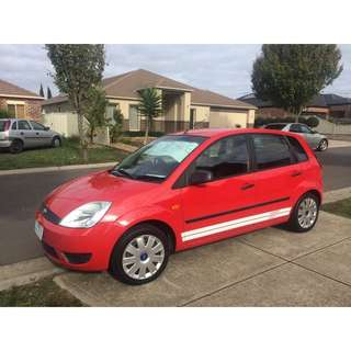 ✨price lowered ✨ 2004 Ford Fiesta