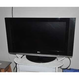 "LG 32LX2D 32"" LCD TV - perfect conditions!!!"