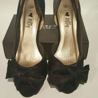 I Love Billy Black Heels With Bow