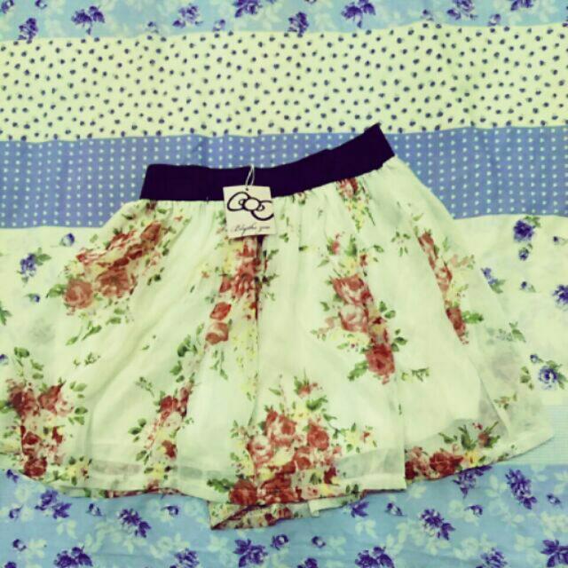 雪紡花朵小短裙
