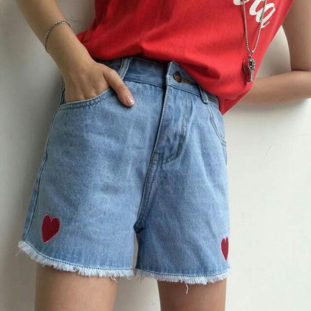 [ PO ] Heart Denim Highwaisted Shorts