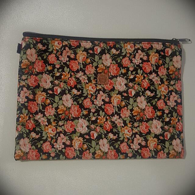 Anna Sui Floral Flat Pouch