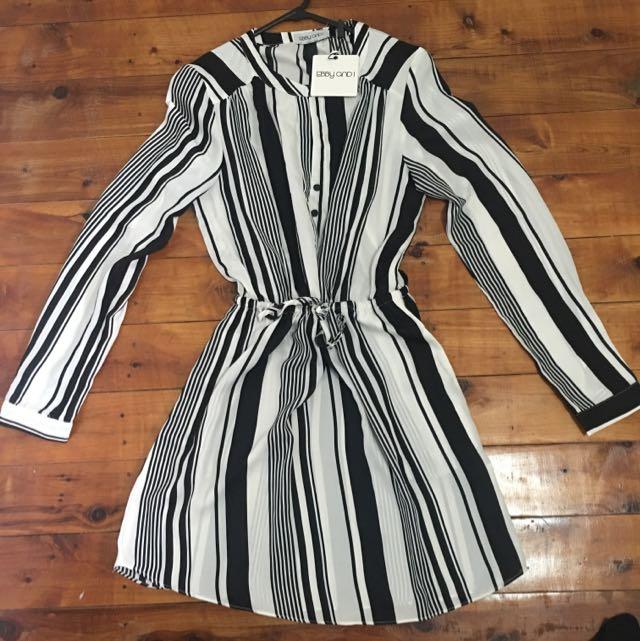 Ebby Andi Strip Short Dress