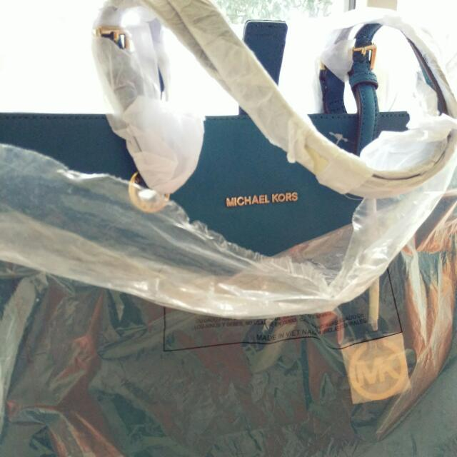 Handbag MICHAEL KORS #junegaragesale