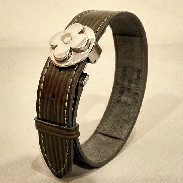 💠LOUIS VUITTON💠 Good Luck Cyber Epi Leather Bracelet (100% Authentic)