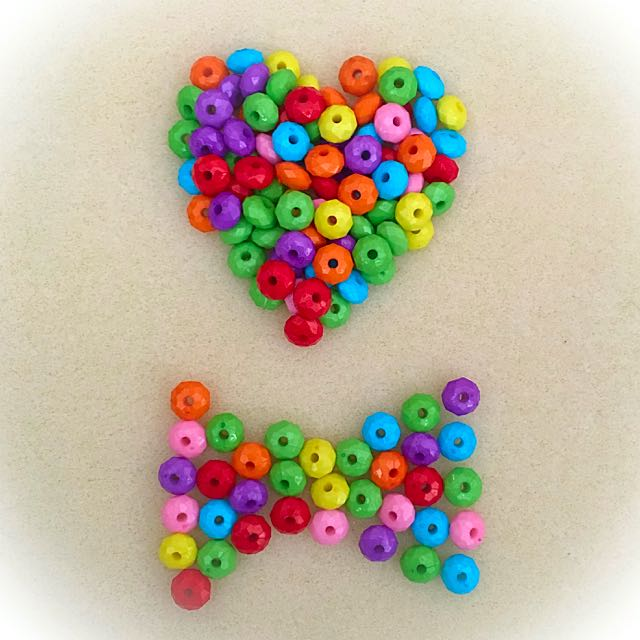 (NEW) Assorted Faceted Colored Acrylic Beads