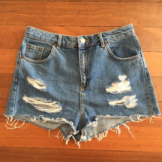 TOPSHOP UK DENIM SHORTS Ripped Style