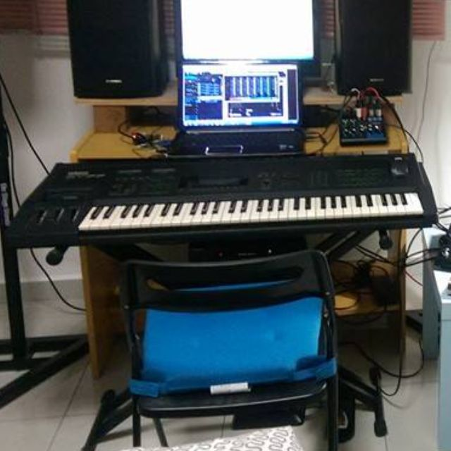 Urgent: [Price Reduced] Yamaha SY77 Keyboard With Stand, Casing And Brand  New Foot Pedal