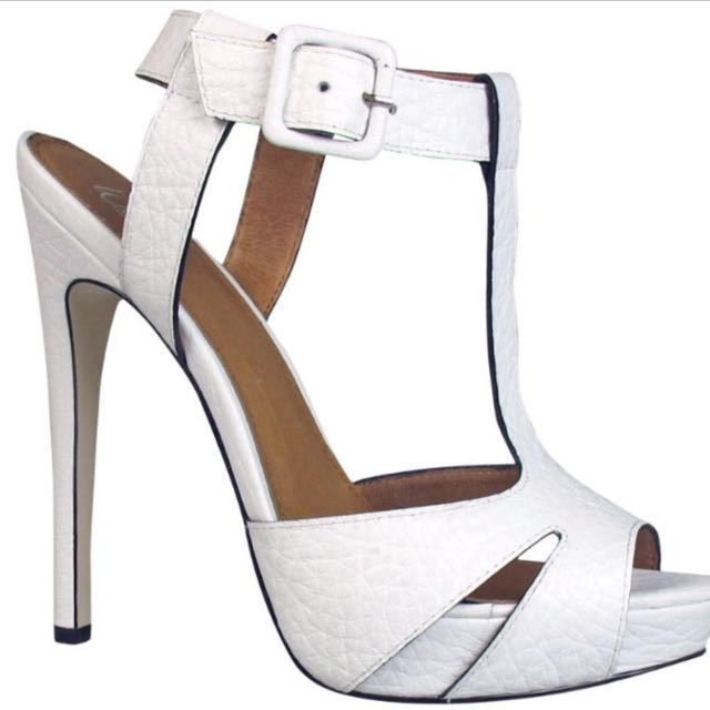 Wittner White leather Heels