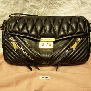 Brand New Miumiu Leather Shoulder Bag😘🖒