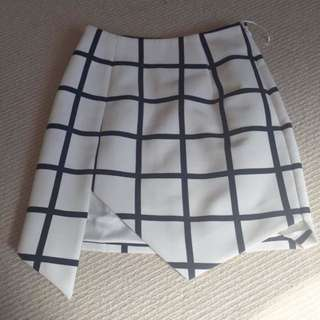Finders Keepers Grid Skirt XS