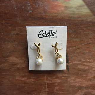Pearl Earrings With Gold Coating.