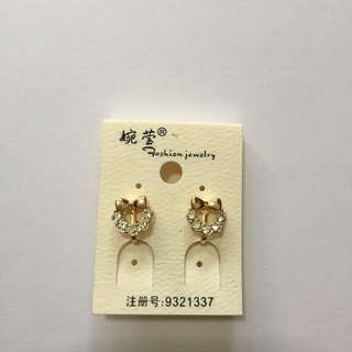 Clip On Kitty-like Earring